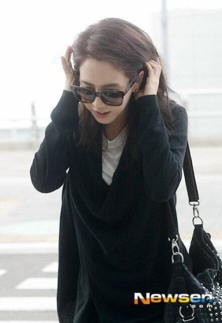 Ji Hyo Airport 4